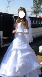 Продам белоснежное свадебное платье (с кринолином).