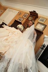 Продам свадебное платье,  очень пышное,  богатое